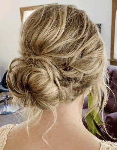 Low Messy Bun | Thanksgiving hairstyles