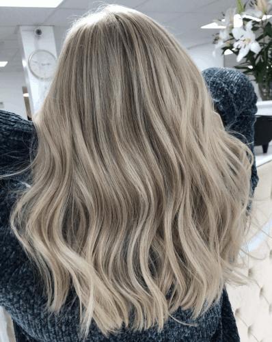 Soft Wavy Hair | Thanksgiving hairstyles