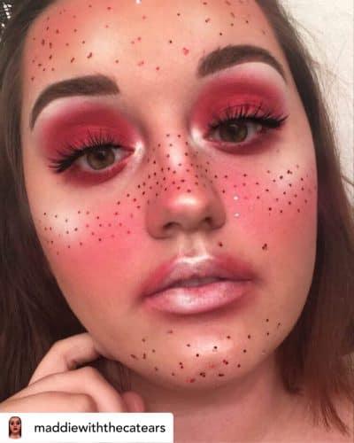 Sunburned makeupl.